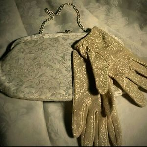 Gorgeous Vintage clutch with matching gloves